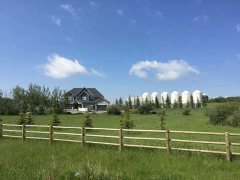 Acreage Home Near Okotoks